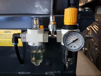réservoir d'huile machine à pneus